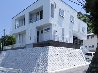 by 菅原浩太建築設計事務所 Modern