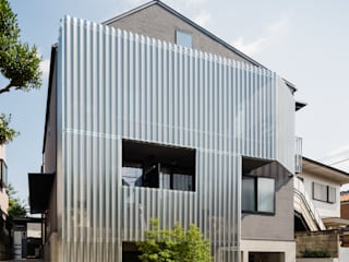 設計事務所アーキプレイス Rumah Gaya Skandinavia Aluminium/Seng Metallic/Silver