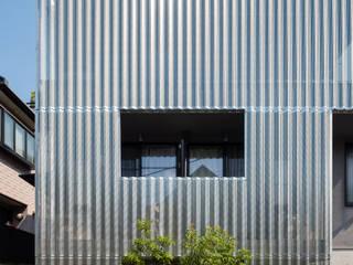 設計事務所アーキプレイス Scandinavian style houses Aluminium/Zinc Metallic/Silver