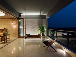 studio HINGE Balcony