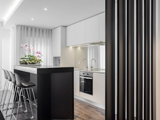 Porto Apartment Modern style kitchen by GAVINHO Architecture & Interiors Modern