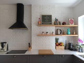 Cozinha de Estar em Alvalade Cozinhas industriais por Desenho Branco Industrial