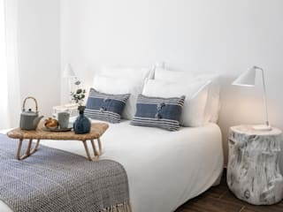 Hoost - Home Staging BedroomBeds & headboards