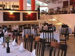 Arechiga y Asociados Asian style dining room Ceramic Red
