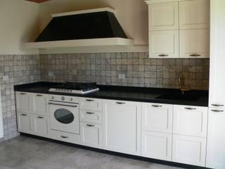 Cocinas de estilo rústico de Arredamenti Caneschi srl Rústico