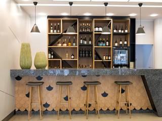 Angelourenzzo - Interior Design Gastronomie méditerranéenne Granite Effet bois