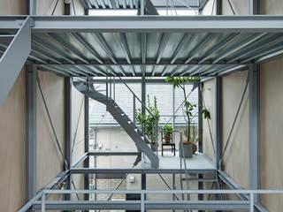 恵比寿の家 オリジナルスタイルの 玄関&廊下&階段 の 山路哲生建築設計事務所 オリジナル