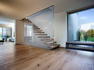 モダンな 窓&ドア の Kneer GmbH, Fenster und Türen モダン