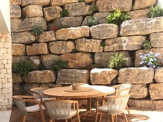 Obra Vista Alegre Paredes y suelos de estilo mediterráneo de Paisajismo y Mantenimiento Hibiscus Mediterráneo