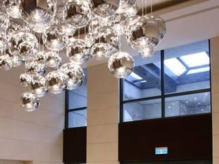 Moderne gangen, hallen & trappenhuizen van Skapetze Lichtmacher Modern
