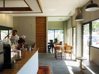 Darbe Cafe & Private SEKALA Studio Gastronomi Gaya Industrial Batu Bata Grey