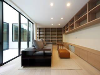 趣味と暮らしを楽しむ家 モダンデザインの リビング の TERAJIMA ARCHITECTS モダン