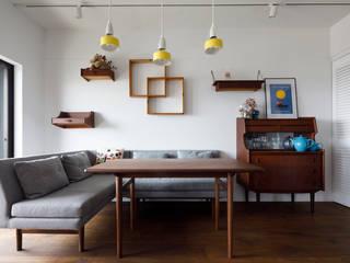 Столовая комната в стиле модерн от 株式会社ブルースタジオ Модерн