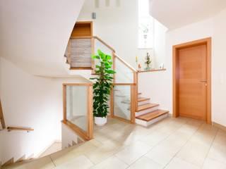 Gewendelte Treppe von Steinkogler - Stiegen,Geländer,Vollholzhäuser Modern