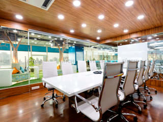 OFFICE INTERIORS by Finch Architects Modern