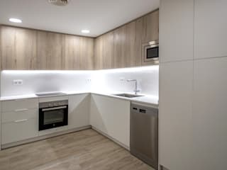 Grupo Inventia Cocinas equipadas Compuestos de madera y plástico Blanco