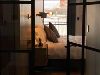 Montevideo Kuperdesign Dormitorios modernos: Ideas, imágenes y decoración Madera Acabado en madera