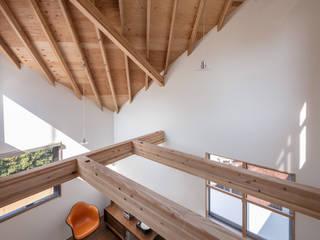 株式会社 片岡英和建築研究室 Salas modernas Madera Acabado en madera