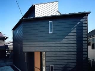 Modern houses by 西島正樹/プライム一級建築士事務所 Modern