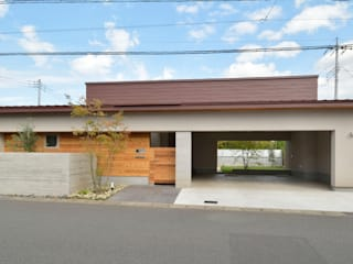 小野建築設計室 Modern houses Iron/Steel Purple/Violet