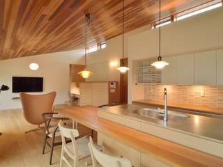 小野建築設計室 Living room Wood Wood effect