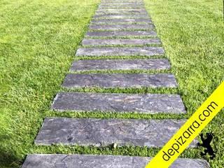 Caminos y sendas con pasos de pizarara natural. depizarra.com Jardines con piedras Piedra Negro