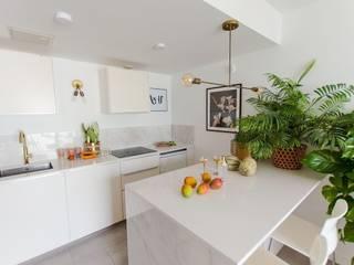 Cia Designs ห้องครัวขนาดเล็ก หินอ่อน White