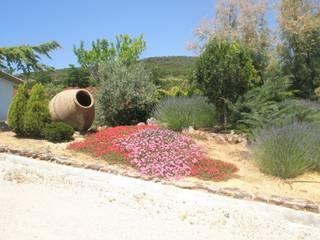 Jardín Finca particular de Jardinería Las Jaras Rústico