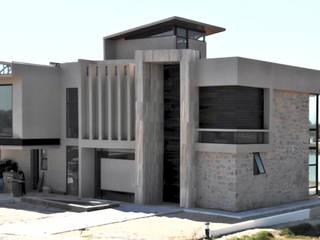 Arqcubo Arquitectos Rumah Modern Batu Wood effect
