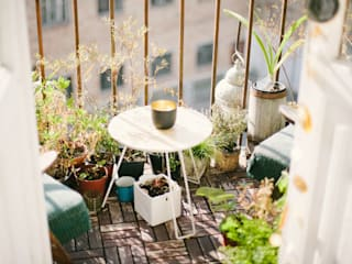 10 Cosy Balcony Ideas for an Inspiring Outdoor Space: classic  by Smth Co, Classic