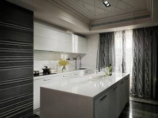 古典的童話 大湖森林室內設計 Kitchen units Plywood White