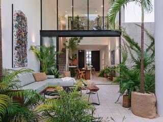 Piscinas de estilo moderno de Workshop, diseño y construcción Moderno