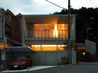光と風をとりこむコンクリートの家 藤吉建築設計事務所 一戸建て住宅 コンクリート 灰色