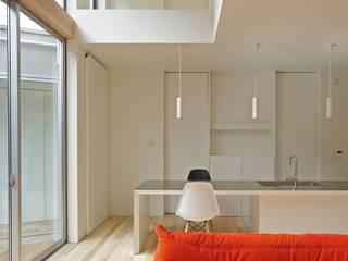 Salas de estar asiáticas por 空間建築-傳 Asiático