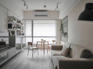 Salones escandinavos de 寓子設計 Escandinavo