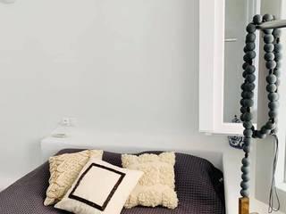 studio patrocchi Dormitorios infantiles de estilo mediterráneo