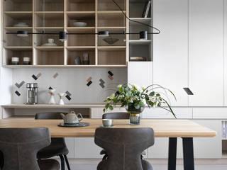 知域設計 Scandinavian style dining room Wood effect