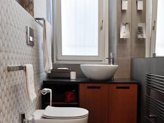 Modern bathroom by G*AA - Giaquinto Architetti Associati Modern