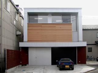 G・ファクトリー ガレージ工場のようなローコスト住宅 インダストリアルな 家 の 石井淳アトリエ インダストリアル
