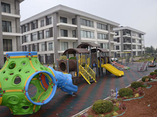 Gaziantep Çocuk oyun parkı, Kauçuk zemin kaplama Gezegen X Kent Mobilyaları Ön avlu Ahşap-Plastik Kompozit Ahşap rengi