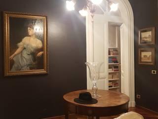 Restyling spregiudicato ai Parioli Clointeriors- Claudio Corsetti Ingresso, Corridoio & Scale in stile classico