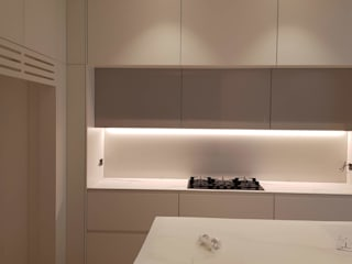 Interior design - custom made furniture Cris&Me l.t.d. KitchenCabinets & shelves
