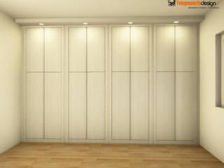 Armadio a muro con illuminazione di Falegnamerie Design Moderno