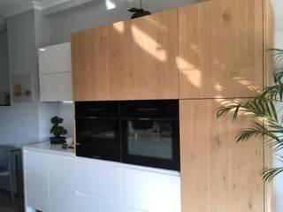 Cozinha italiana de Exposição com 50% desconto! por Area design interiores Moderno