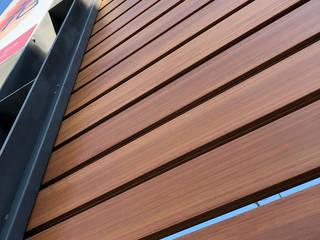 外牆造型/圍籬/天花 杉澤國際有限公司 牆面 塑木複合材料 Wood effect