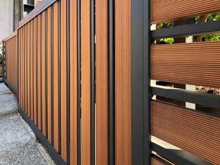 外牆造型/圍籬/天花 杉澤國際有限公司 前院 塑木複合材料 Wood effect