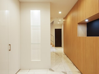 TERAJIMA ARCHITECTS Couloir, entrée, escaliers modernes