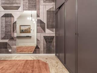 Debra Sacchetti Vestíbulos, pasillos y escalerasAccesorios y decoración