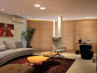 Geraldo Brognoli Ludwich Arquitetura Modern Living Room Grey