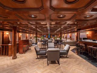 Presidential Nile Cruises Yates y jets de estilo clásico de FAUS INTERNATIONAL FLOORING SLU Clásico